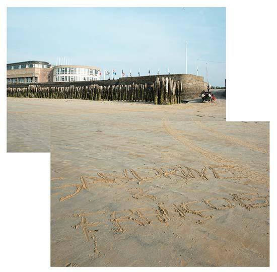 gravé dans le sable du sillon à Saint-Malo