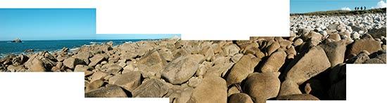 Rochers et galets au bout de l'île de Sieck à Santec