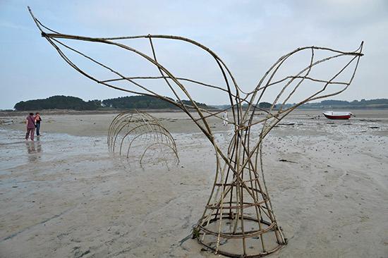 cache cache à l'au, sculpture de Pascale Planche